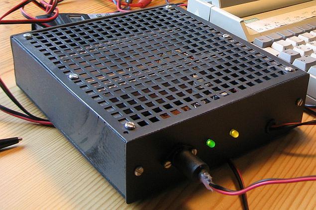flachgeh use aus holz f r die elektronik selbst gebaut. Black Bedroom Furniture Sets. Home Design Ideas